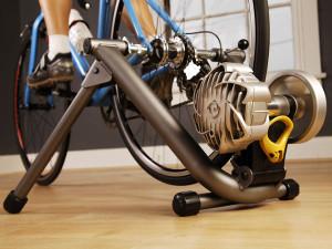 Fluid bike trainer